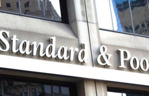 S&P ve Moody's'ten yeni not indirimi